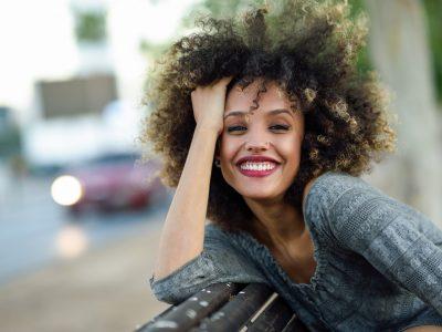 cheveux afro comment les nourrir avec des produits naturels en été