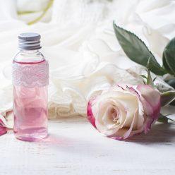 Eau florale de rose : un trésor pour toutes les peaux !