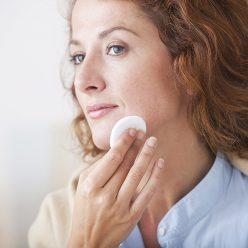 Layering peaux mixtes à grasses : votre routine naturelle