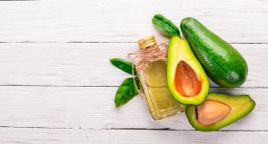 L'Huile d'Avocat : un trésor pour la peau et les cheveux