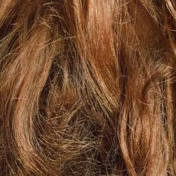 Cheveux secs : astuces et soins naturels pour les nourrir
