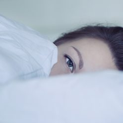Troubles du sommeil : essayez la gemmothérapie