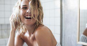 Peau et cycle menstruel : adaptez votre routine beauté